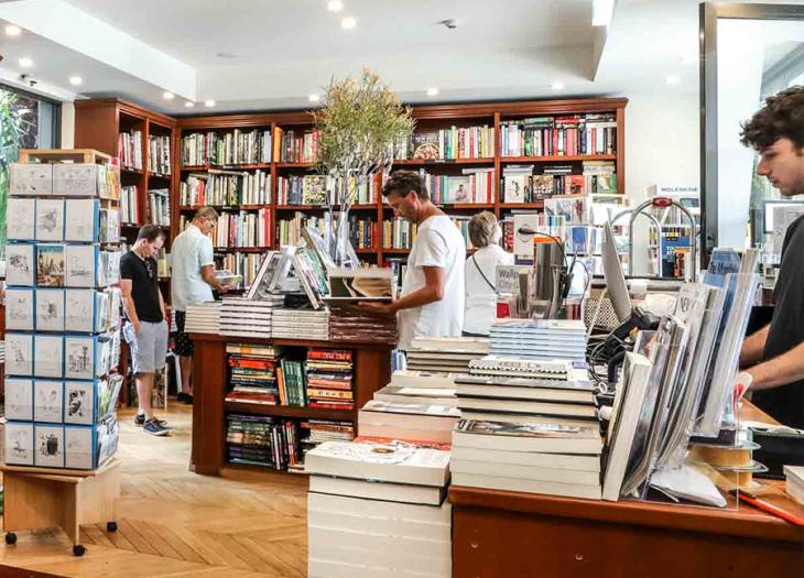 Bookseller 1
